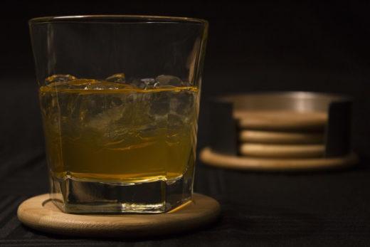 kieliszki do alkoholu i drinków